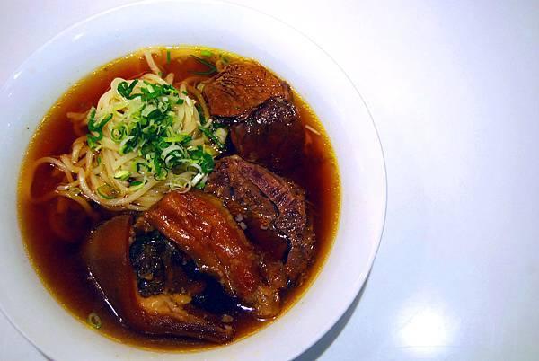 1牛肉麵 (82)