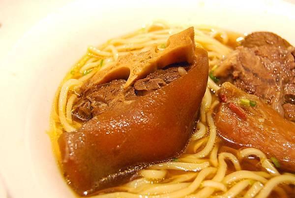 1牛肉麵 (123)