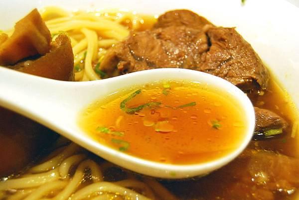 1牛肉麵 (125)