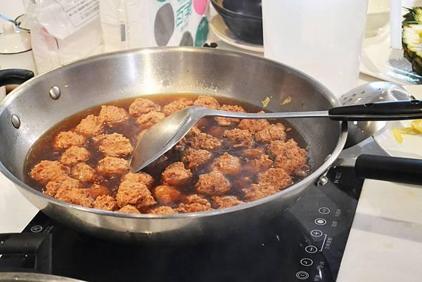 素食紅燒獅子頭