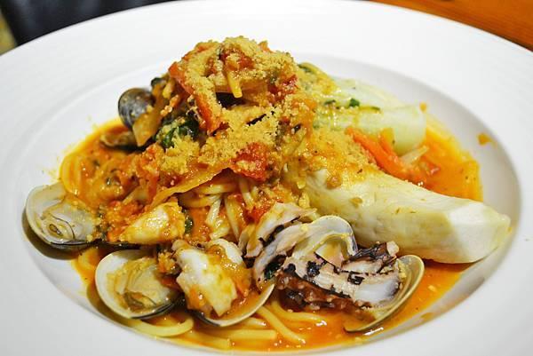芝士簡餐咖啡館_茄汁海鮮義大利麵1