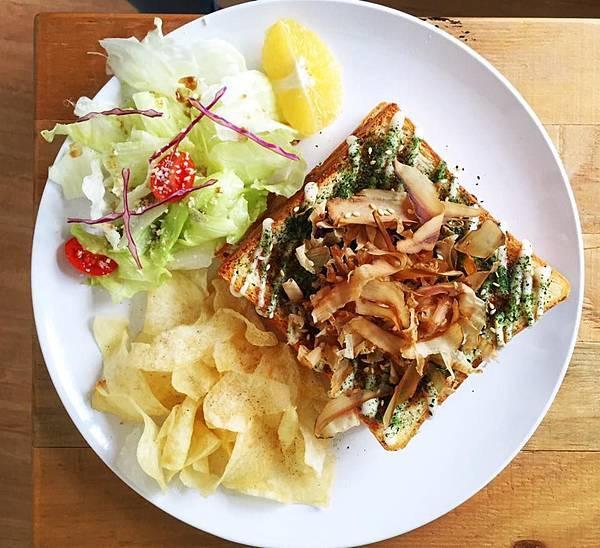 台中隱巷早午餐|日式大阪燒肉雙層吐司