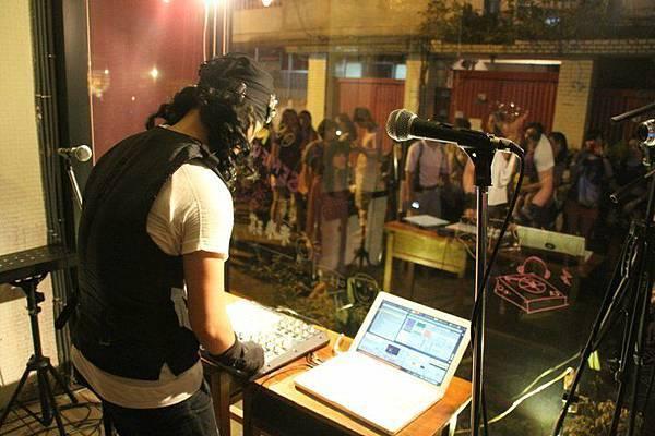 DJ--阿麥