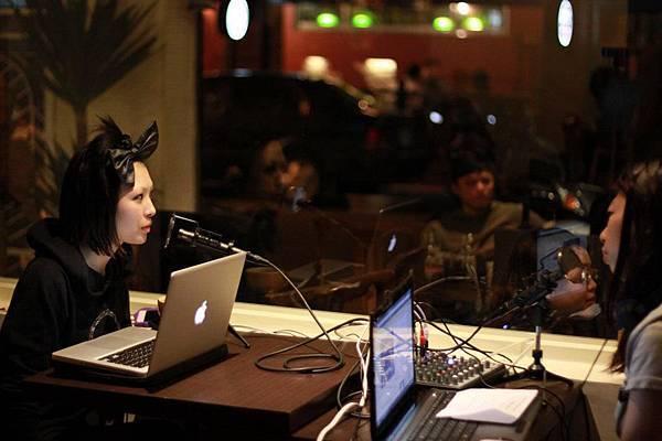 魏如昀Queen X no.44 Lab DJ Coka