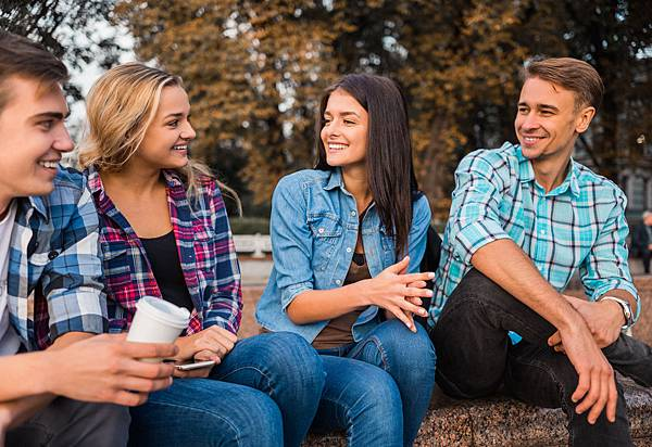 friends_talk_shutterstock_328756655.jpg