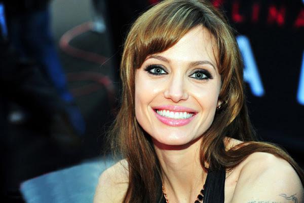 Angelina_jolie_wiki.jpg