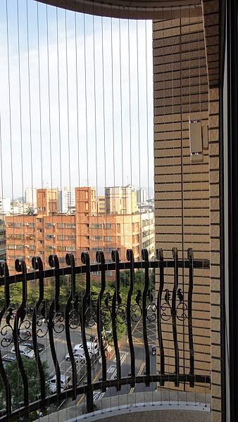 058陽台 隱形鐵窗2.JPG