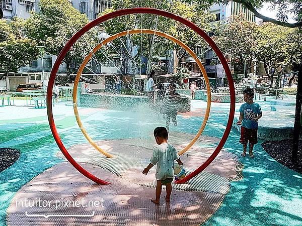 玉成公園戲水區9.jpg
