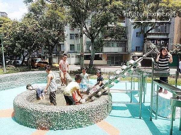玉成公園戲水區14.jpg
