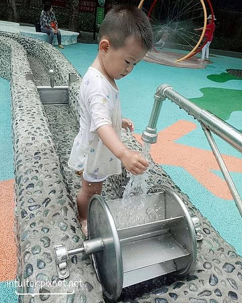 玉成公園戲水區13.jpg