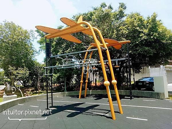 林口樂活公園成人健體設備2.jpg