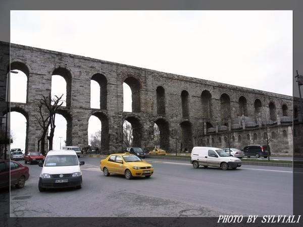 伊斯坦堡-水道橋03.jpg