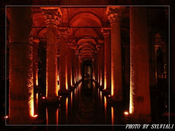 伊斯坦堡-地下水宮01.jpg