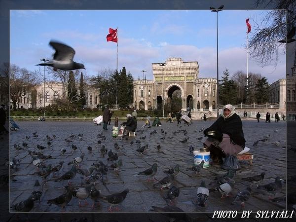 伊斯坦堡-倍亞濟廣場01.jpg