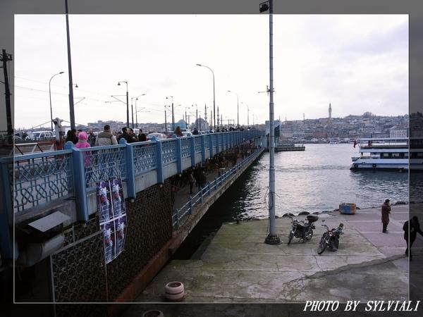 伊斯坦堡-加拉達橋01.jpg