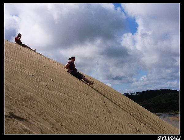 SAND BOARDING02.jpg