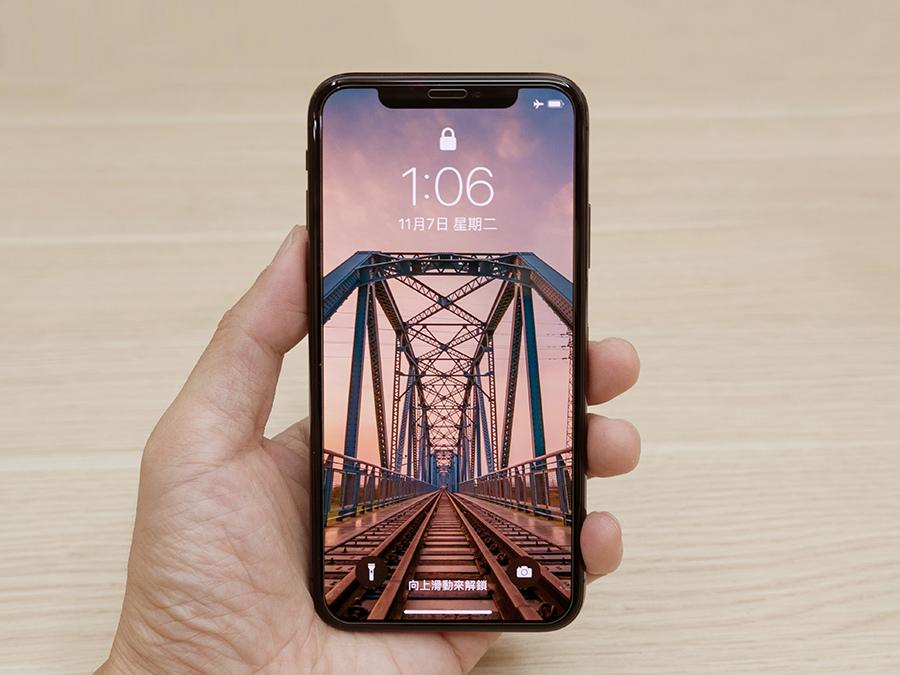 iPhone X 0.21 hoda 非滿版玻璃貼