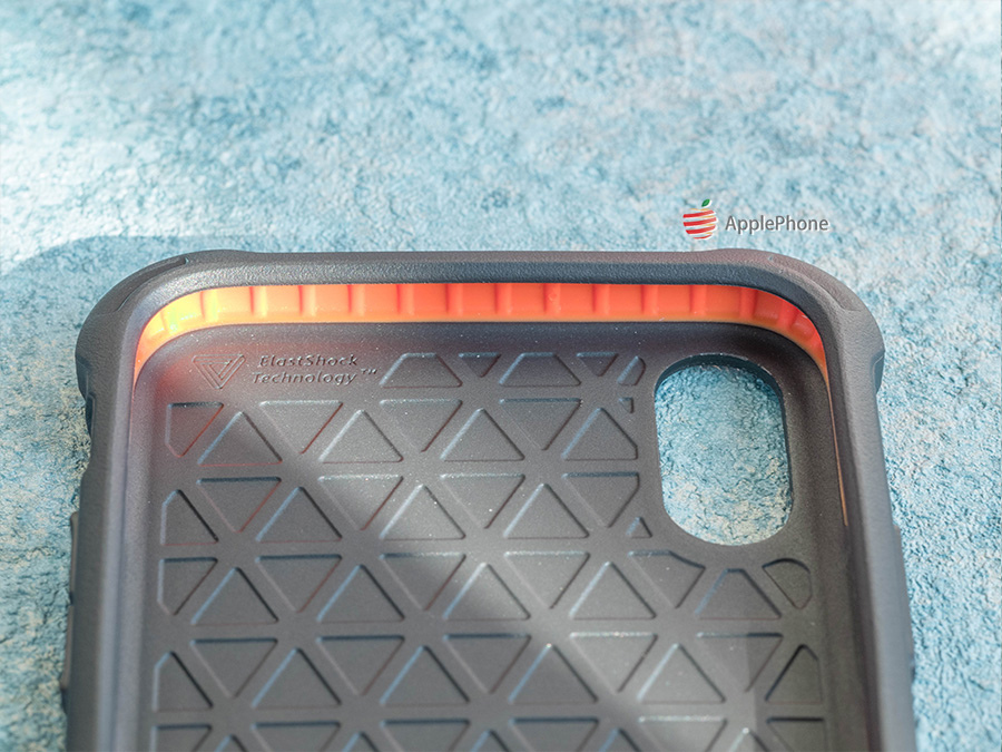 ElastShock Technology  這是獨家專利超抗震技術,優質防震材料+吸震魚骨邊框