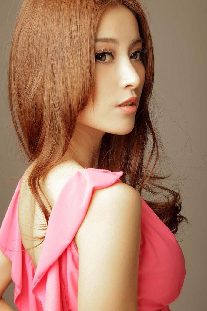 香港美女模特何静性感蜕变全过程