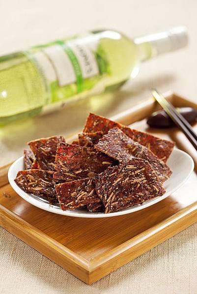 〈杏仁芝麻脆片〉愛不是手肉乾_超人氣團購美食推薦肉干