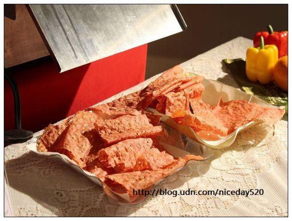 4.在現場烘烤酥脆櫻花蝦香脆肉乾!
