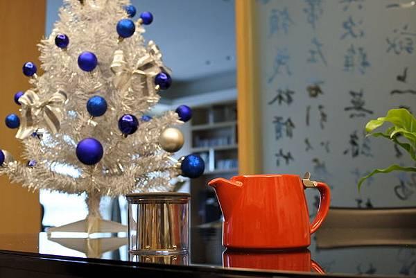 DSC_1782聖誕樹與茶壺_調整大小.JPG