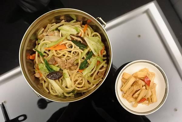 炒麵和桂竹筍DSC_4304 縮小.jpg