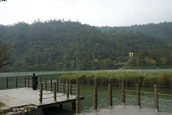 梅花湖邊DSC_4095 縮小.jpg