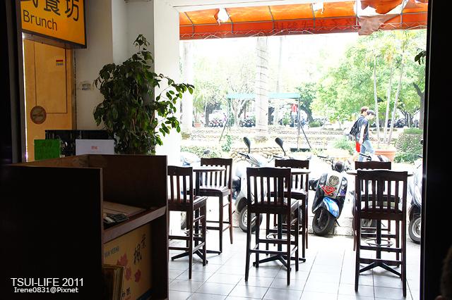 110905_03_格子美式餐廳.jpg