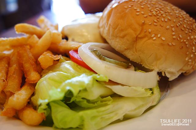 110905_09_格子美式餐廳.jpg