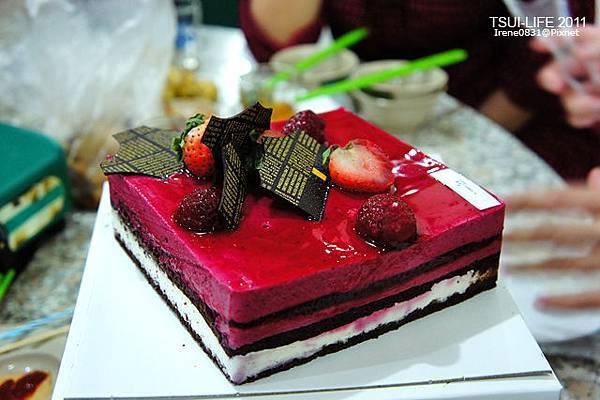 111023_00_cake.jpg