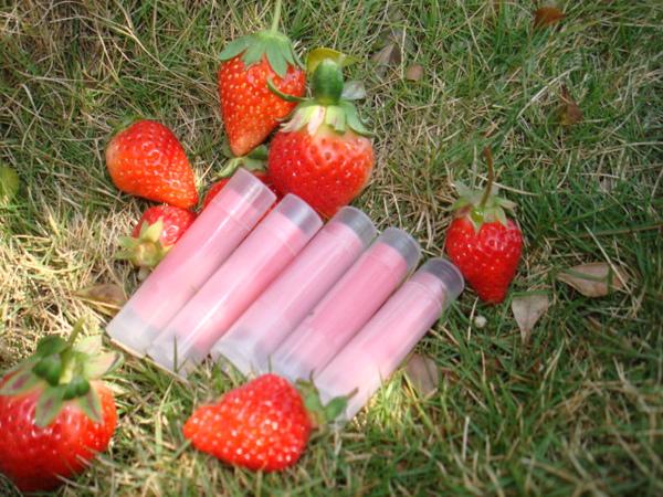草苺護唇膏1-2