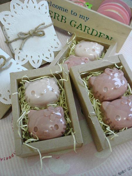 【代製】粉紅kitty皂09910051