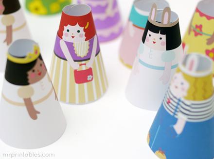 cone-girls-chatting