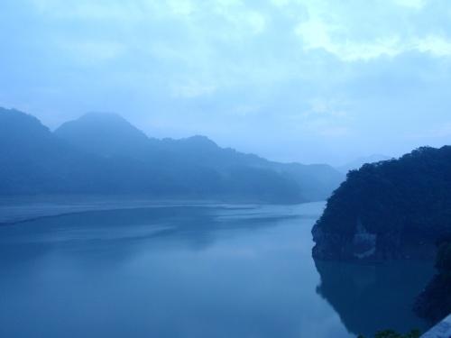 湖畔2.jpg