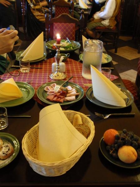 中古世紀變裝晚宴.jpg