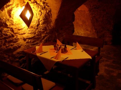 地窖餐廳.jpg