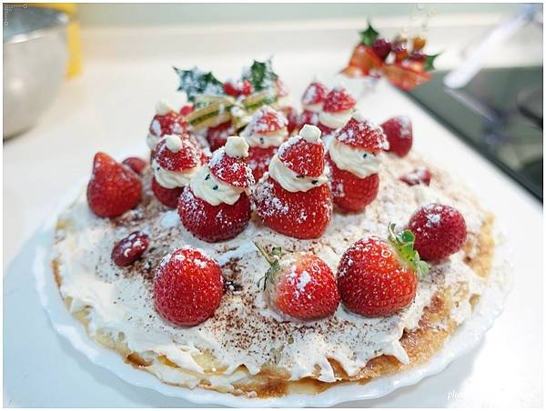 Strawberry-Cake54.JPG