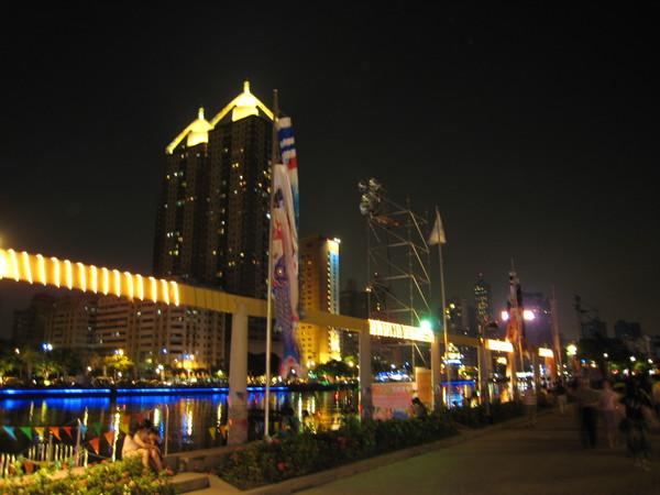 這張也是愛河夜景.JPG
