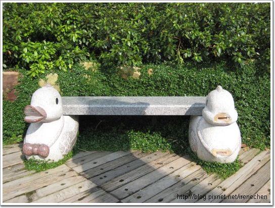 新社莊園-可愛動物造型椅.jpg