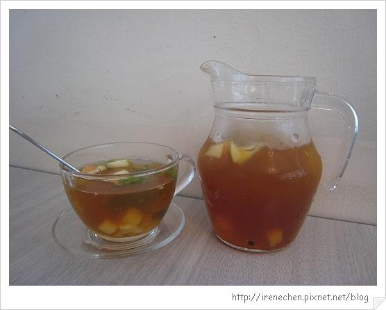 R9 Cafe-3-鮮果茶冰茶.jpg