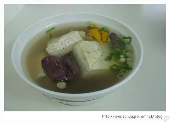 財記臭豆腐05-清燉臭豆腐.jpg