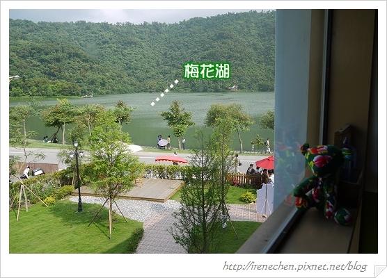 小熊書房10-2樓窗景.jpg