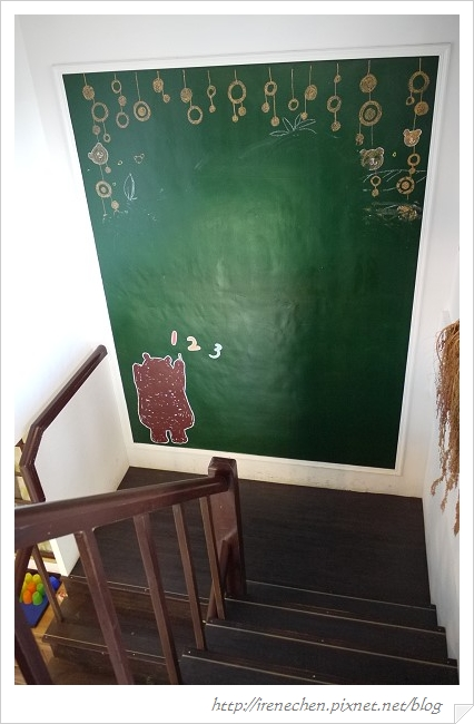 小熊書房24-樓梯轉角.jpg