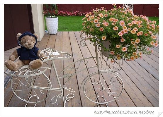 小熊書房30-戶外小熊.jpg