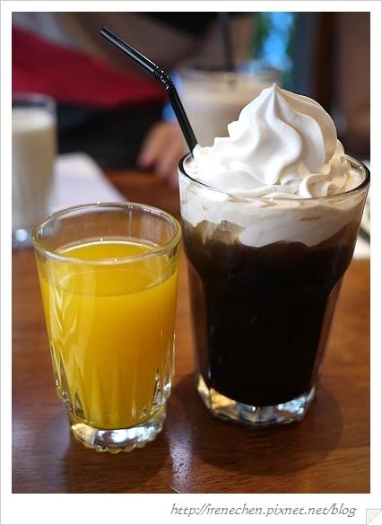 公館貳樓11-柳橙汁和續杯冰咖啡.jpg