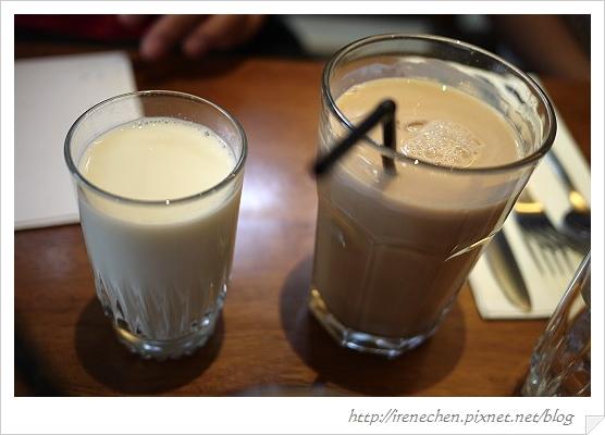 公館貳樓12-熱牛奶和熱奶茶.jpg