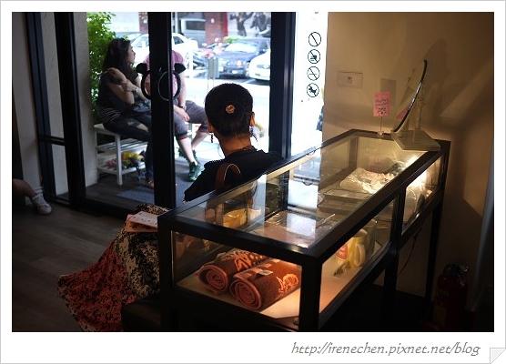 蜜糖土司08-商品櫥窗.jpg