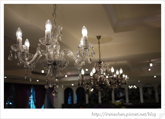 跳舞香水22-水晶燈.jpg