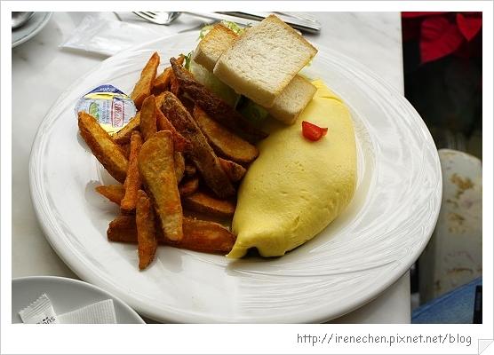 向brunch22-義式蘿勒松子蕃茄乳酪蛋捲.jpg